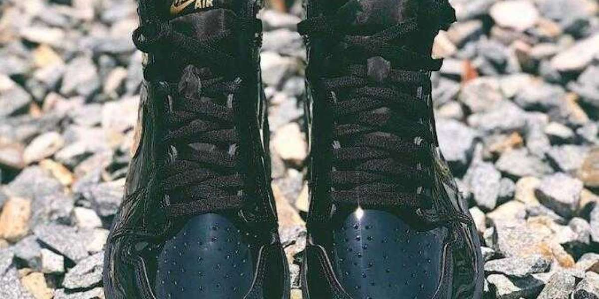 Air Jordan 1 High OG Black Metallic Gold to Arrive Holiday 2020